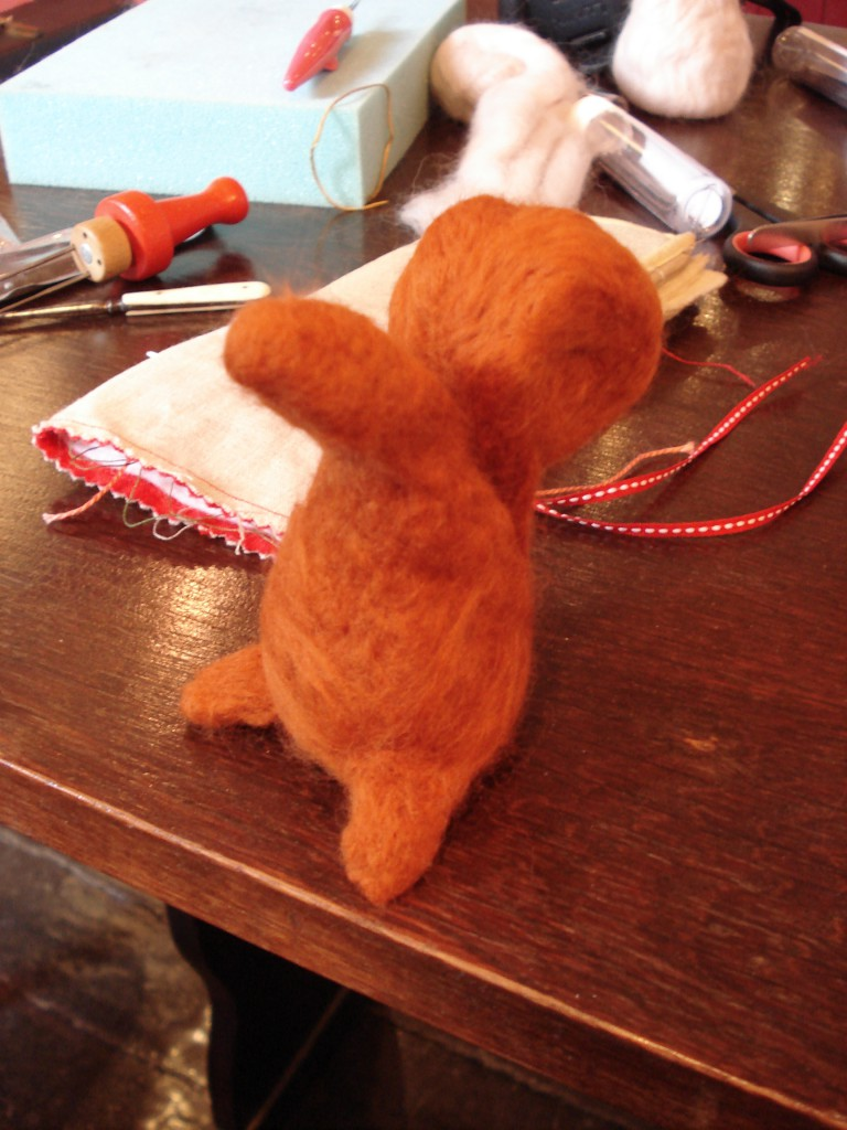 Felted squirrell 021