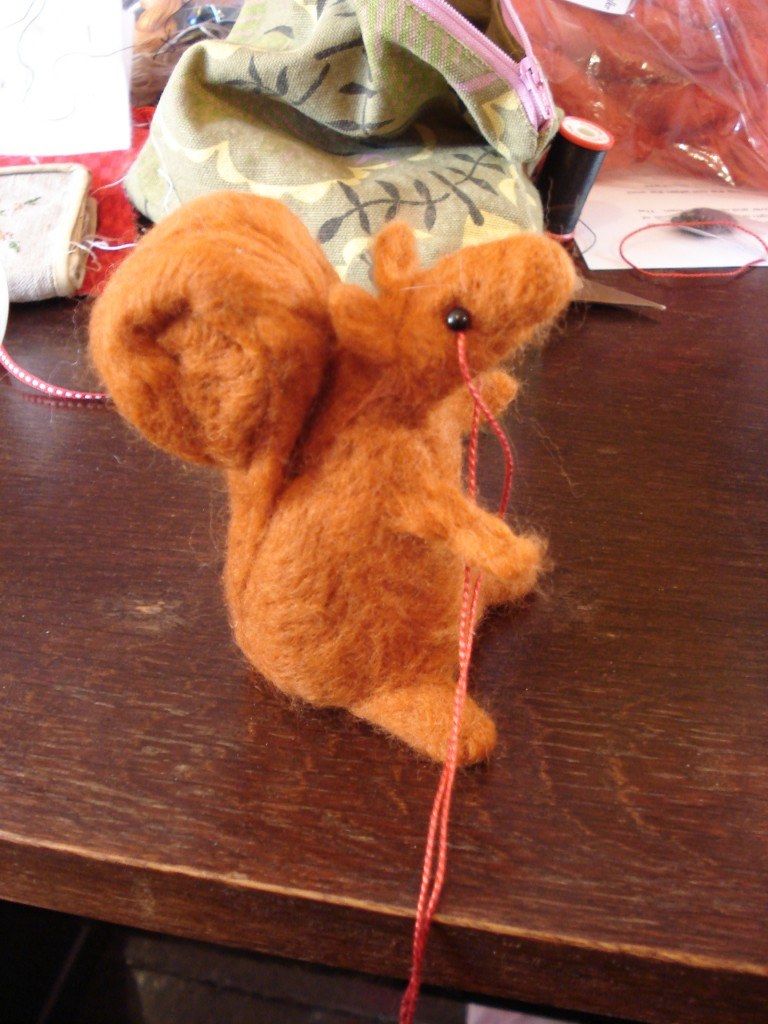Felted squirrell 027