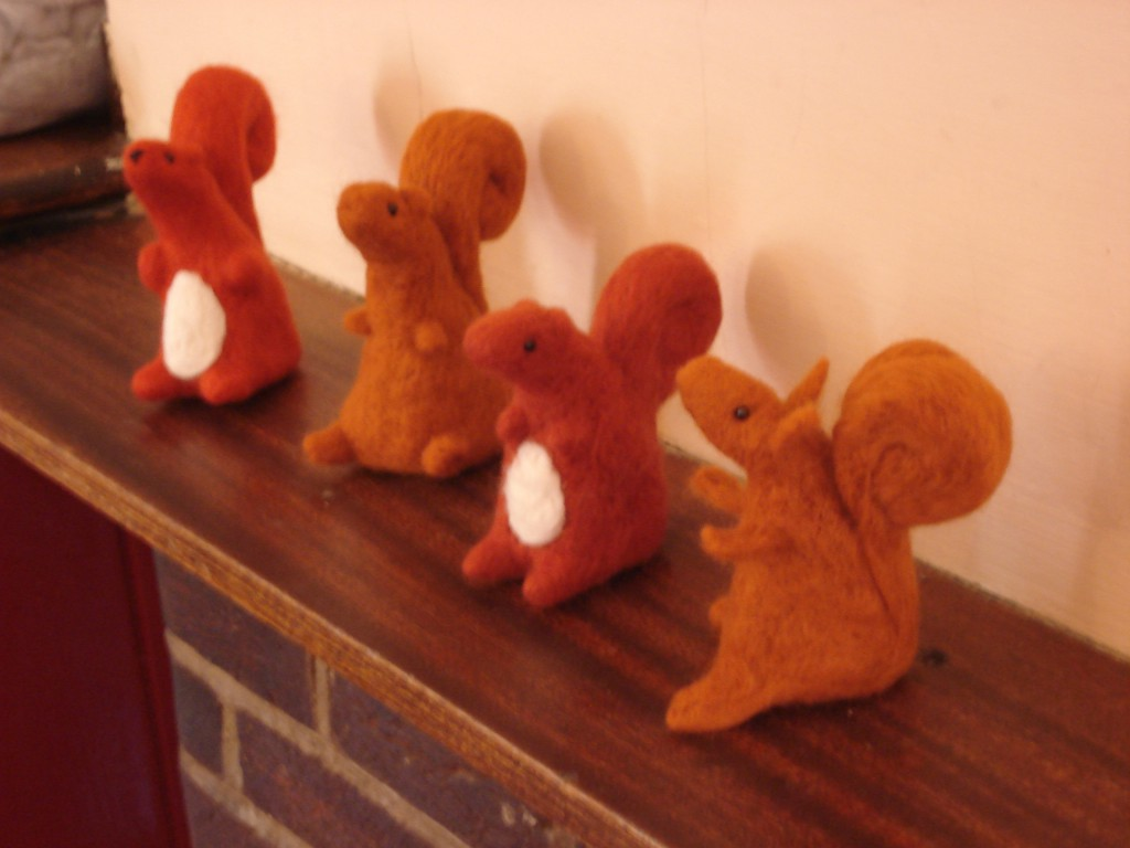Felted squirrell 032
